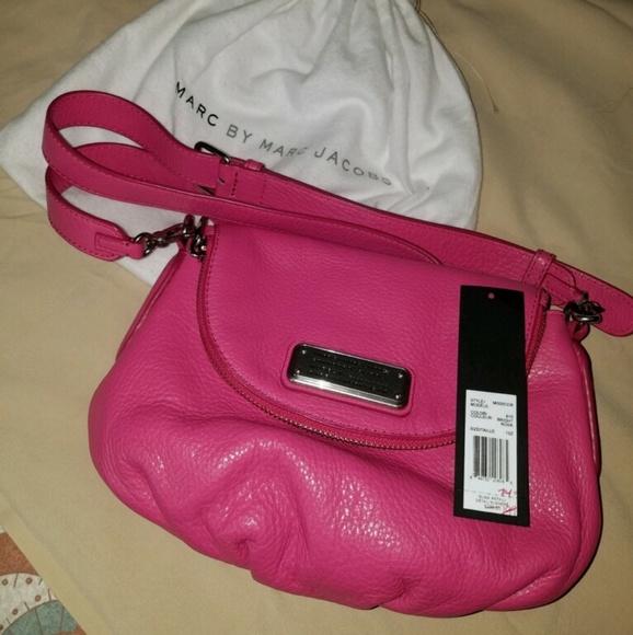 Marc Jacobs Handbags - Marc Jacobs Crossbody